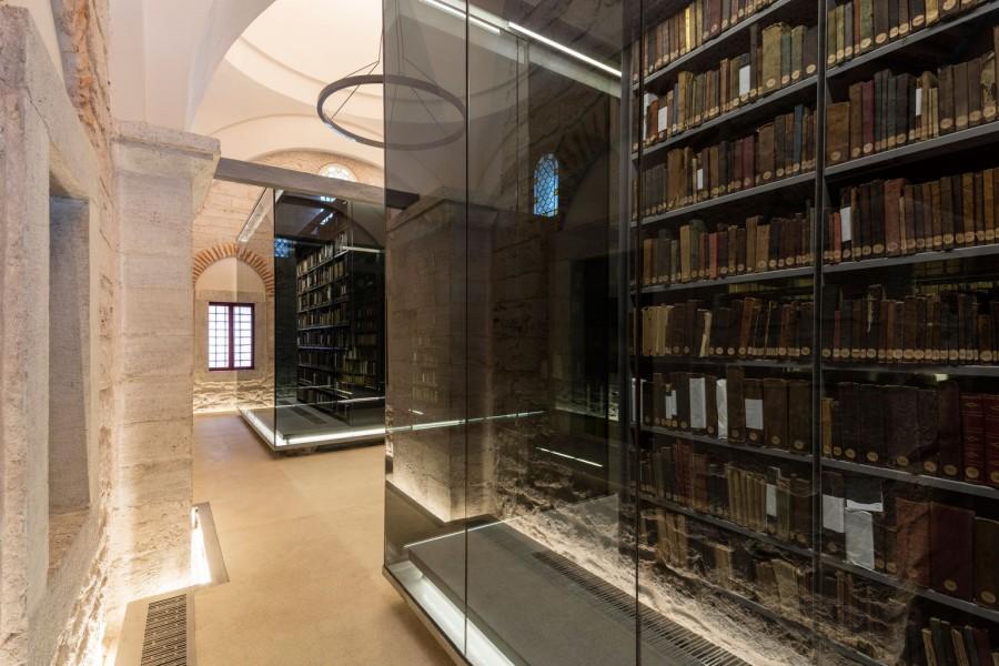 04_book-shelves_emre-dorter-copy-1536x1024
